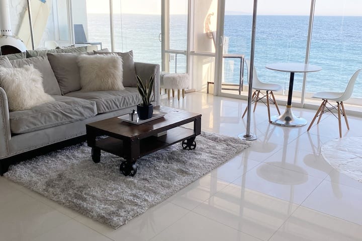 Style and Sophisticated 2BR Beachfront Townhouse