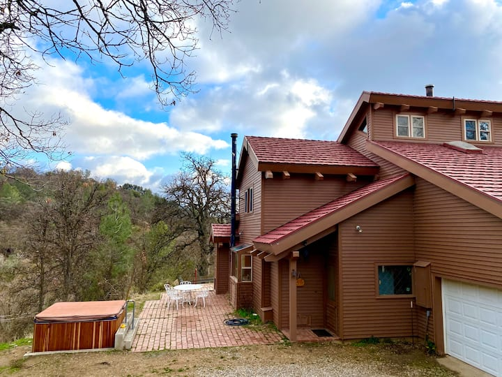 Lovely  country home on our mountain ranch