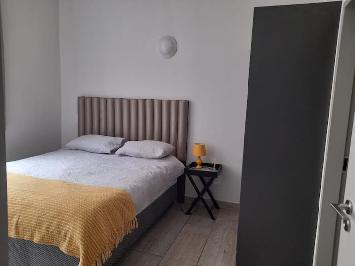 Shared 2Bed Oppo. Woolies on Gandhi Square+Wifi-A