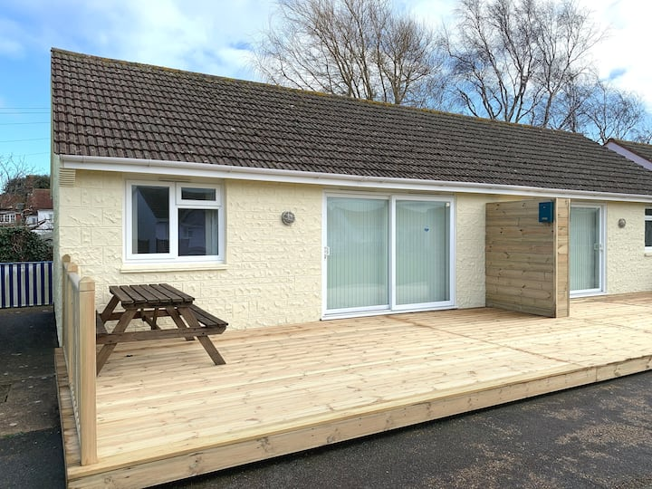 2 Bedroom Bungalow, Salterns Village, Seaview, IOW