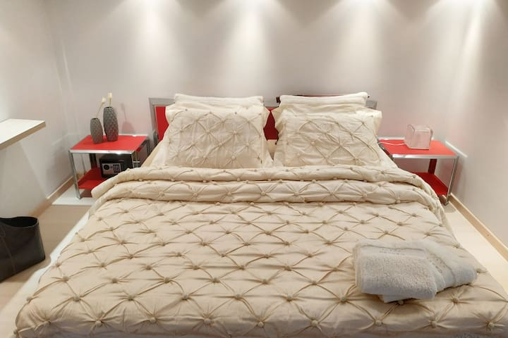 Relaxing Double Bed
