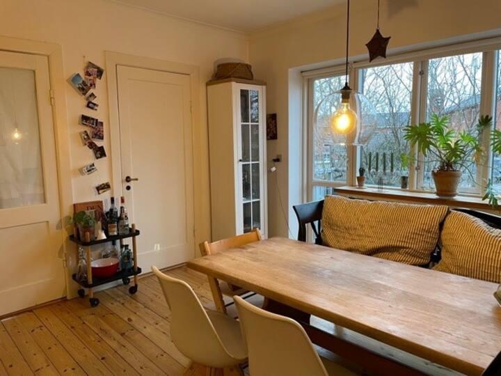 Skøn lejlighed i Valby 15 min fra Centrum