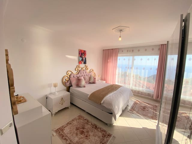 2nd floor - Couple Room with balcony and own privat WC