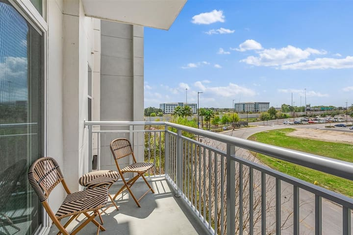 Heart of St Johns Town Center|Pool|Balcony|Gym
