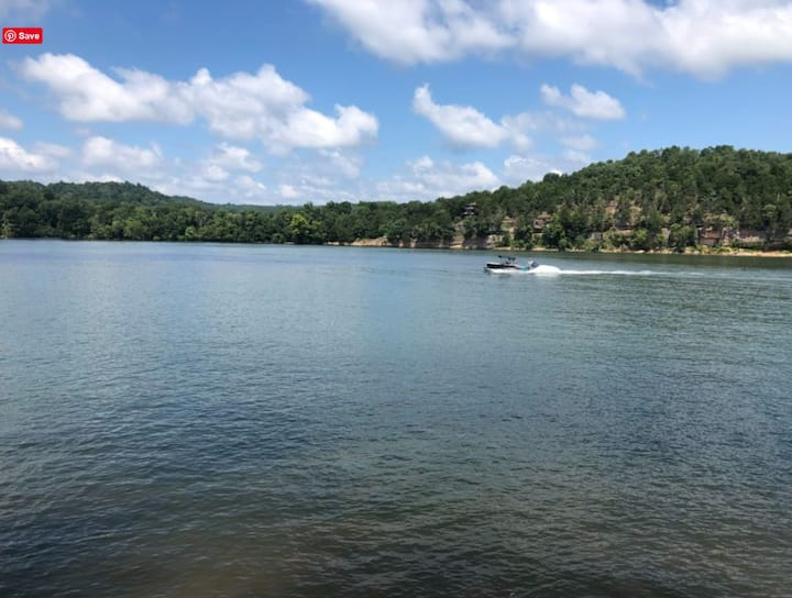 Relaxing Waterfront RV Lot on the Tennessee River