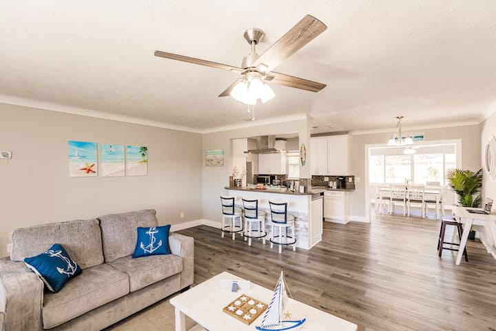 Great Renovated Vacation Home by Siesta Key Beach