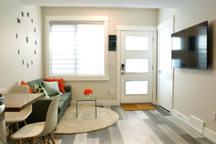 Upscale Apt*Central Location*Long Stays welcome!