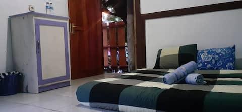 Cozy Homey Room at Bungalow Suwuk Kebumen