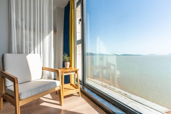 东港超大海景窗,高层酒店式度假公寓 商圈中心 近码头海鲜夜排挡