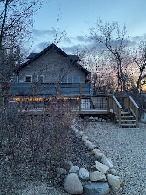 Quiet cabin in the heart of Manitou
