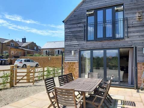 Cedar Barn - luxury country accommodation
