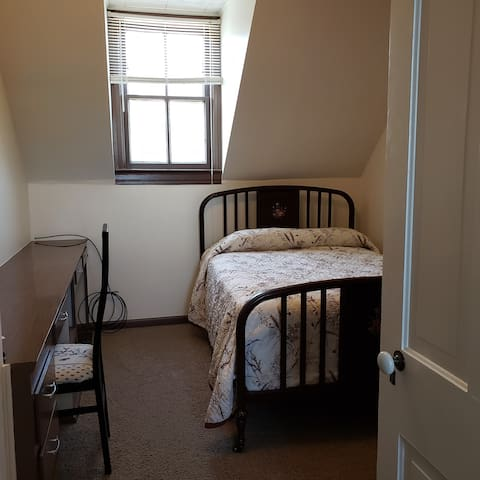 Full-bed with office space, if you must check in with work.