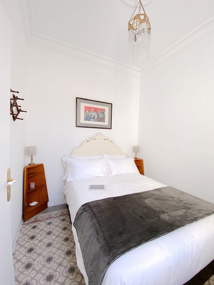 Small Double bedroom in restored Modernista House