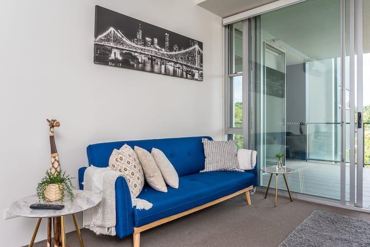 2 Bedroom Apartment Park Views Parking Apartments For Rent In Brisbane City Queensland Australia