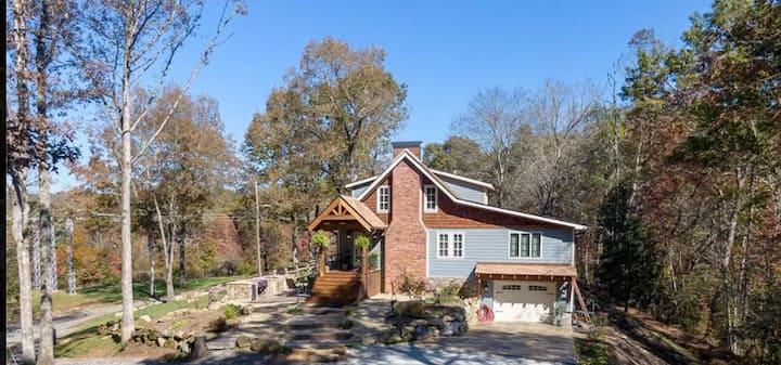 Happy House: Mountain Bike, Hike, Sightseeing, Etc