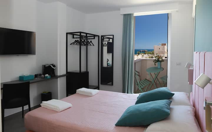 VERDEAQUA ROOMS Matrimoniale + letto vista mare