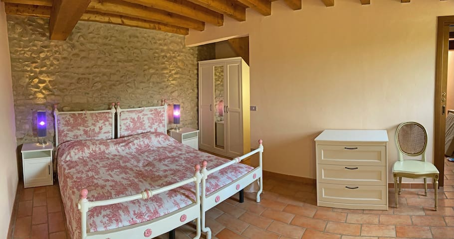 Camera da letto tripla