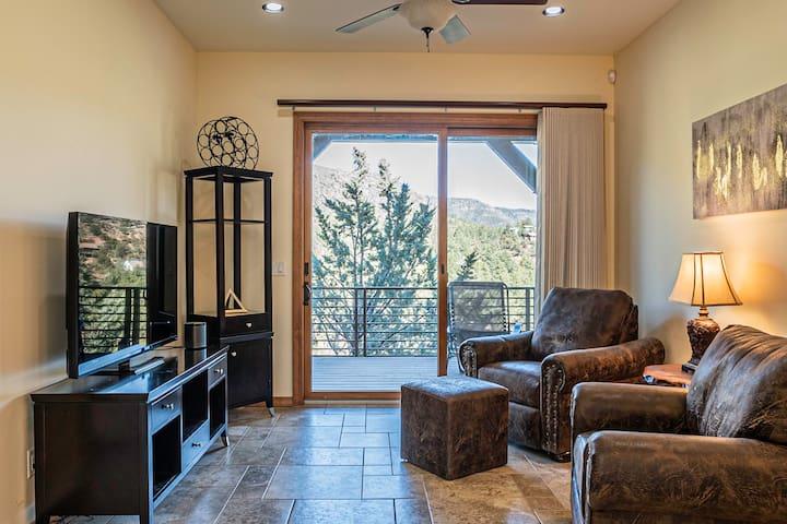 Living Room - Lower Level w/Views