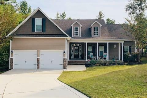 ⭐️Beautiful family friendly home close to Bragg! 🇺🇸⭐️