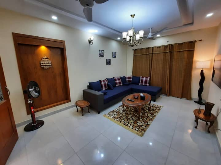 Family 2BHK U Parking Netflix WiFi UhdTv Kitchen