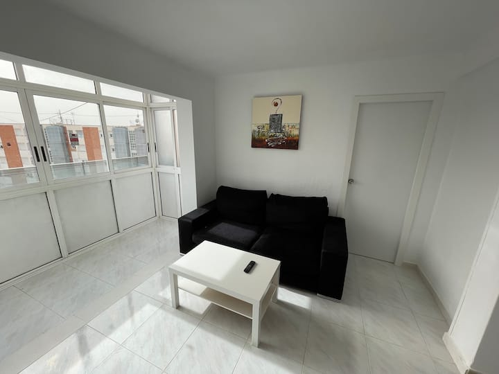New apartment with WIFI and views near University