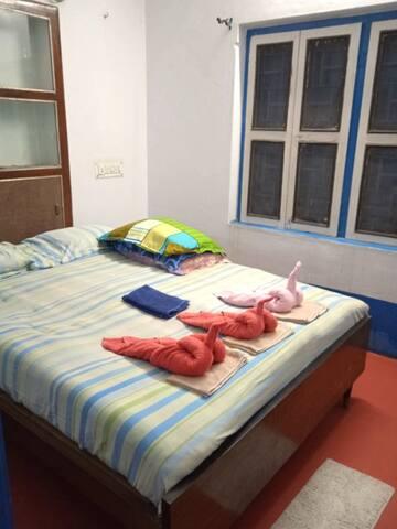 Main bedroom View - Queen's bed