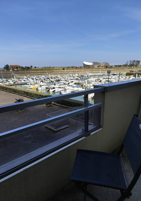 Pleasant studio of 30m2 with balcony marina view
