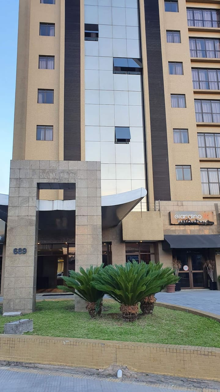 Excelente Hotel Próximo Centro Curitiba - Garagem