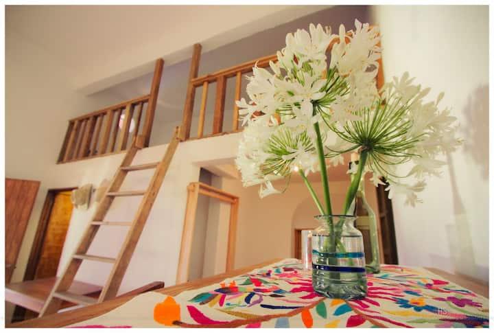 One bedroom in El Diablo y la SandiaB&B