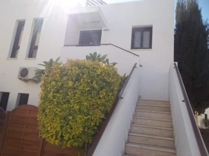 Amazing modern  2 bedroom flat in Oroklini Larnaca