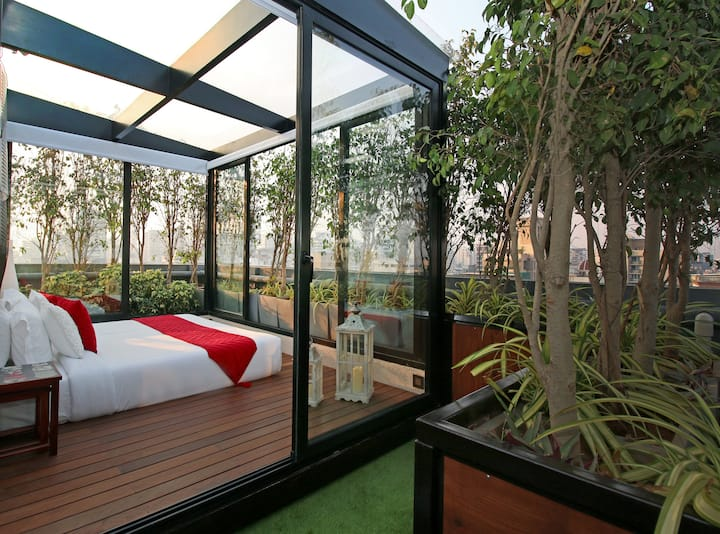 Open To Sky Studio with Jacuzzi in Mumbai