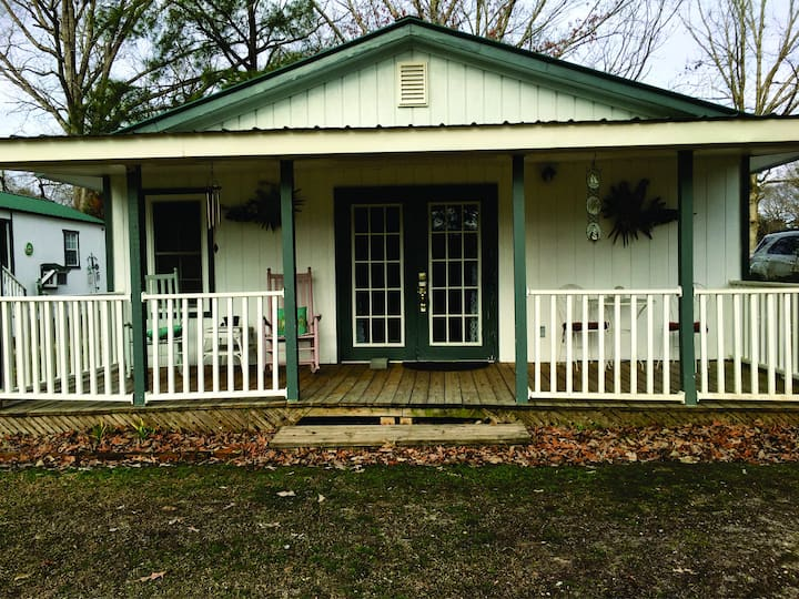 Pet Friendly Home in the Country