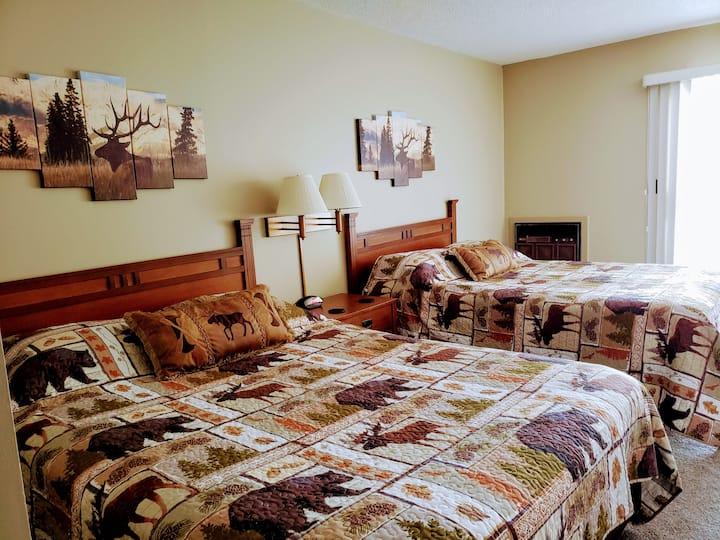 NEW! Queen bedroom(Q)* Schuss Mountain*Bellaire MI