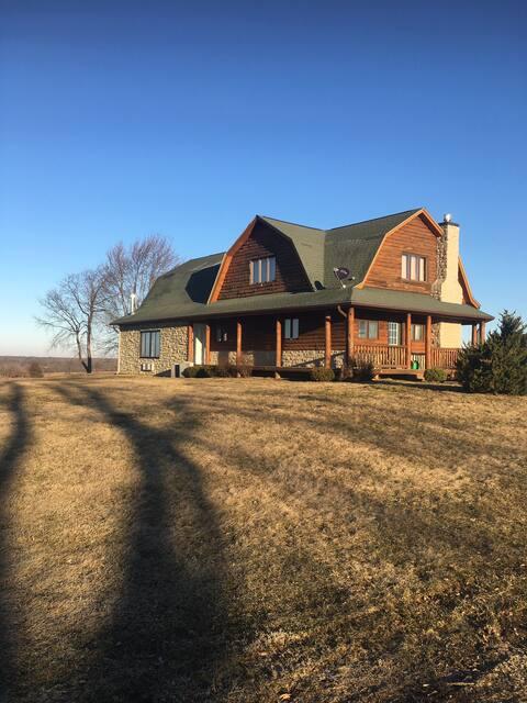 Illinois Rustic Getaway!!  Pike County, IL