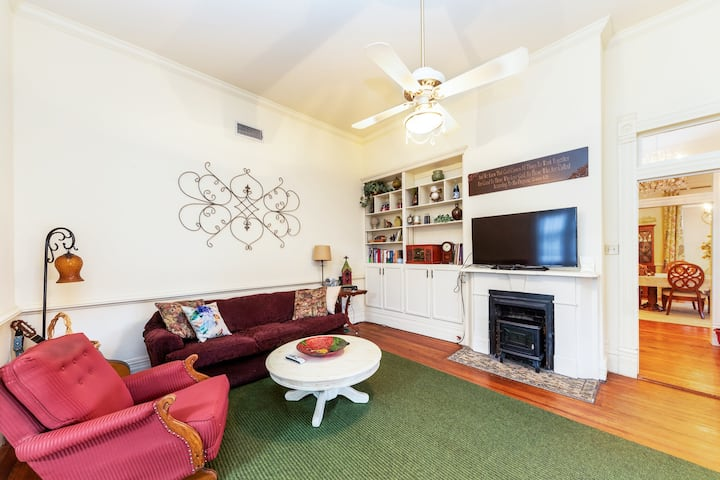 Charming Victorian Home in Historic Weatherford!