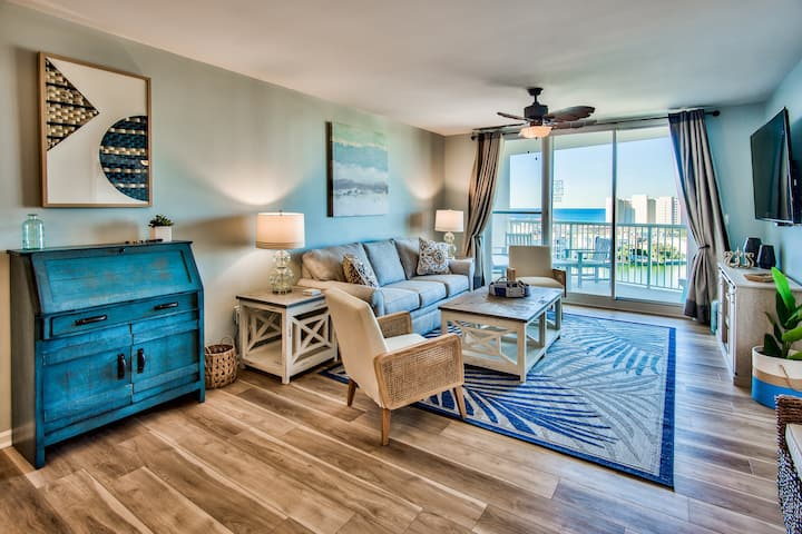 Luxurious Condo with Beach Access and Ocean views.