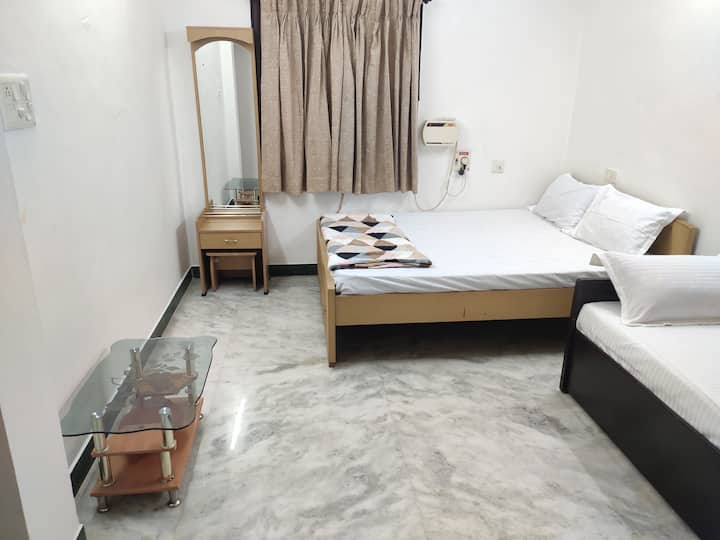 Family/Private AC Room3/Longstay/Kitchen Facility