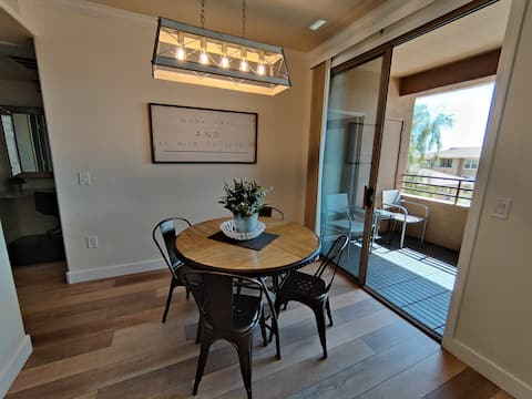 Freshly Rennovated Scottsdale Condo With A View!