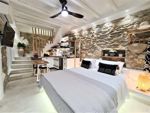 2Storey Luxury Studio with Veranda Castle Old Town