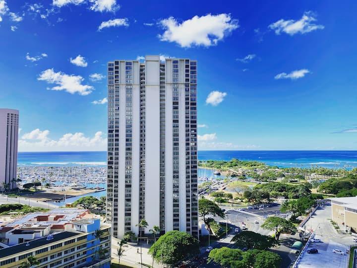 Ala Moana Beach Park Hotel Condo