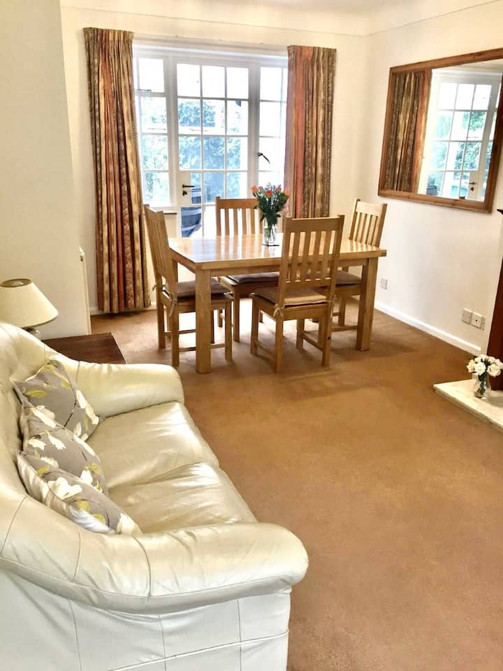 Homely and Comfortable in a quiet location