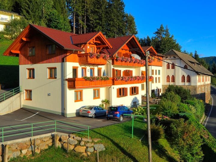 """Apartment """"Alpenrose in Dellach am Millstätter See"""