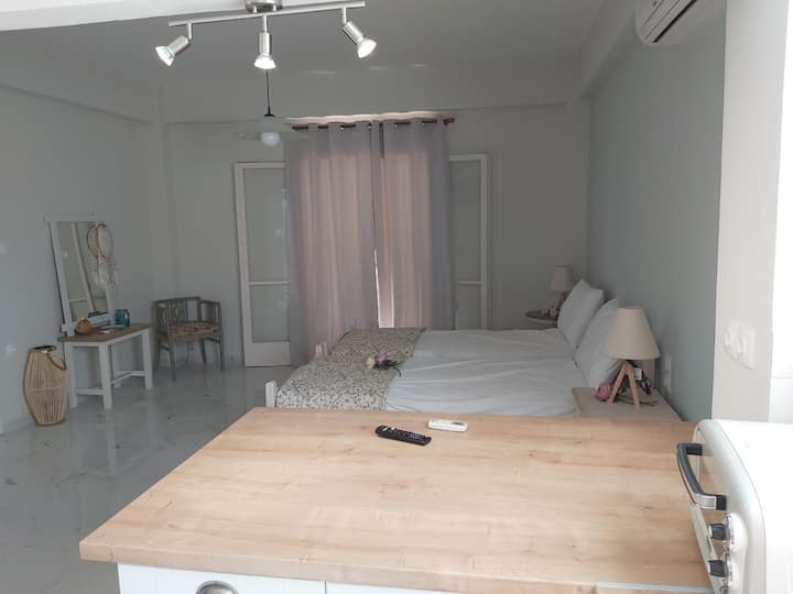 """""""Levanta"""" Cozy sea breeze studio in Poros!"""