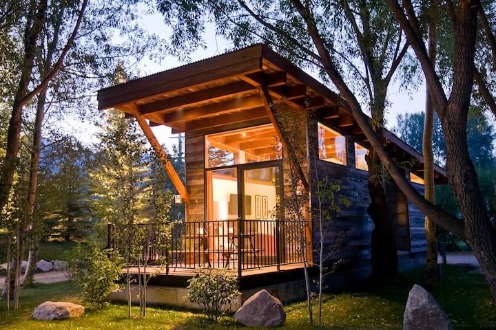Luxury Cabin at Fireside Resort