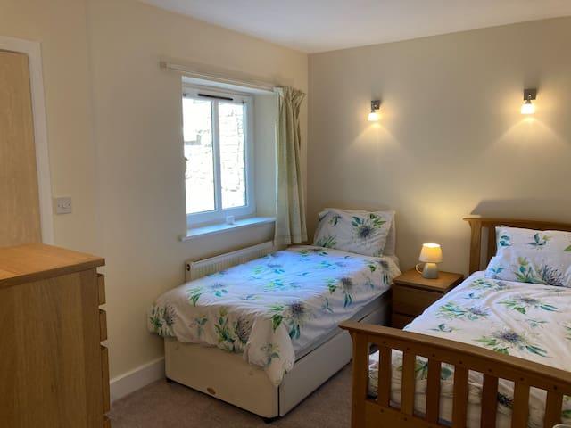 Bedroom 2. [twin]