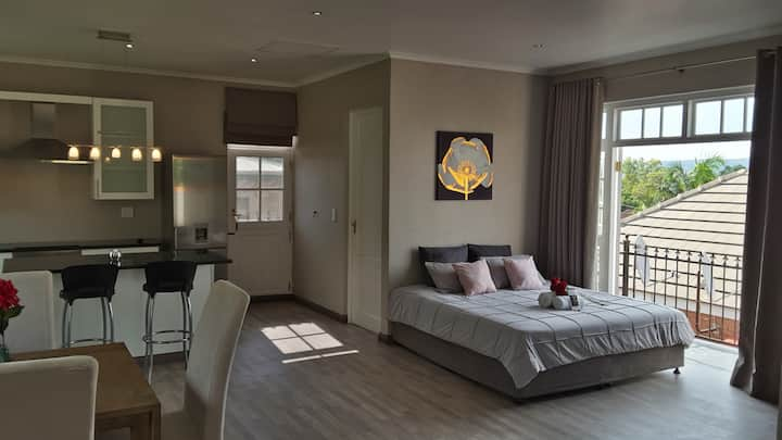 Stunning Apartment with View | DSTV | Free WIFI