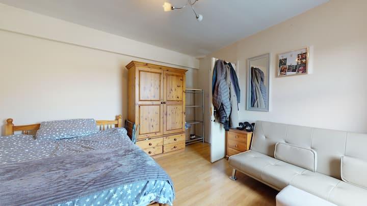 Sunny room next to Shoreditch