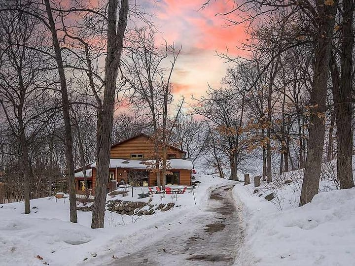 Hickory Knoll Guest 1 Bdrm - Five Wisconsin Acres