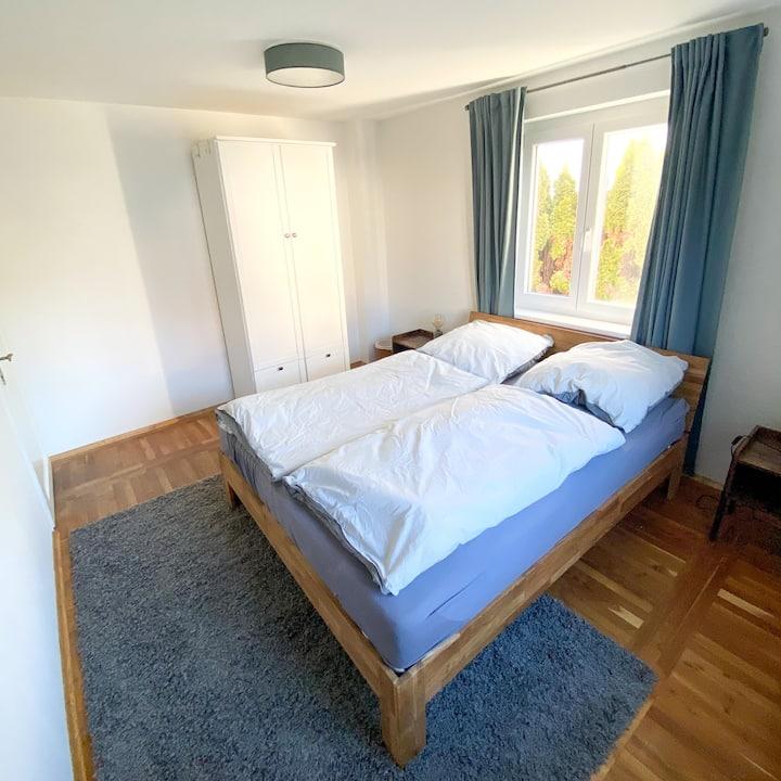 Gästezimmer mit einer Gehminute zum See