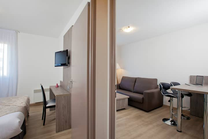 Apartment (4 People) in Reims' City Center